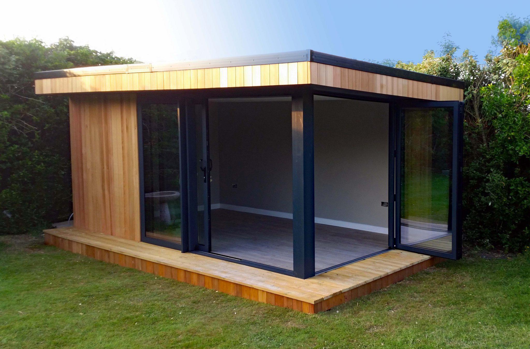 medium garden room with flexible space