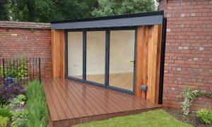 Irregular shape garden room