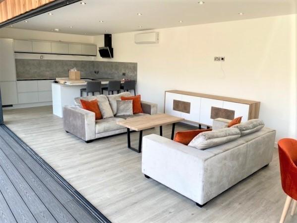 Garden Entertainment Suite in Finchampstead