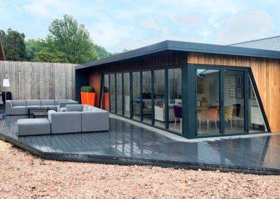 garden room for entertaining - Finchampstead