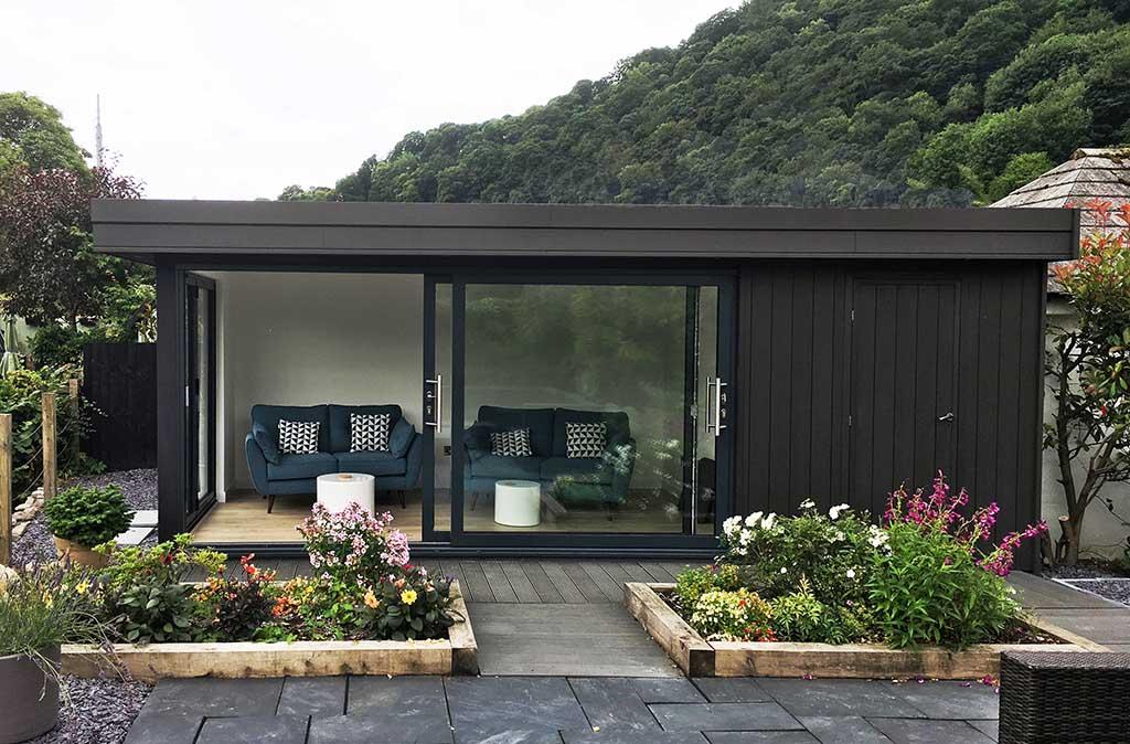 Garden Living Room in Llangollen
