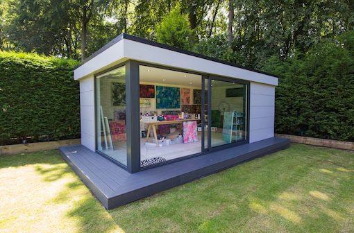 Garden Art Studio in Monton